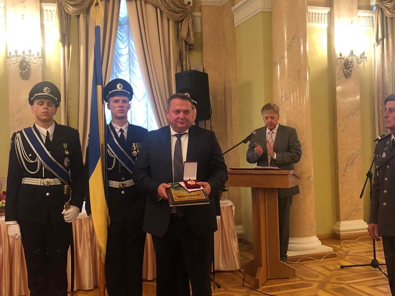 Одеський національний медуніверситет отримав орден і звання найкращого підприємства України 2019 року